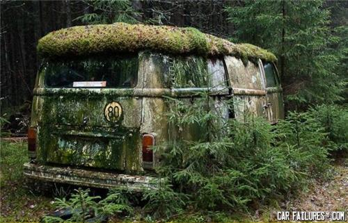 - Its the car from lost! Thumbs up if you agree